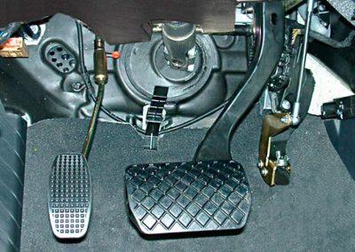 Pedal acelerador lado izquierdo reversible D908