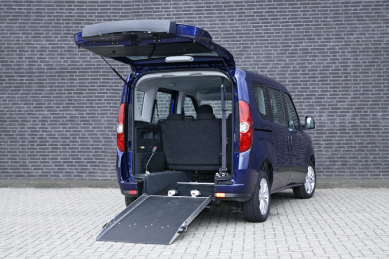 ¿Qué marcas ofrecen vehículos adaptados minusválidos?