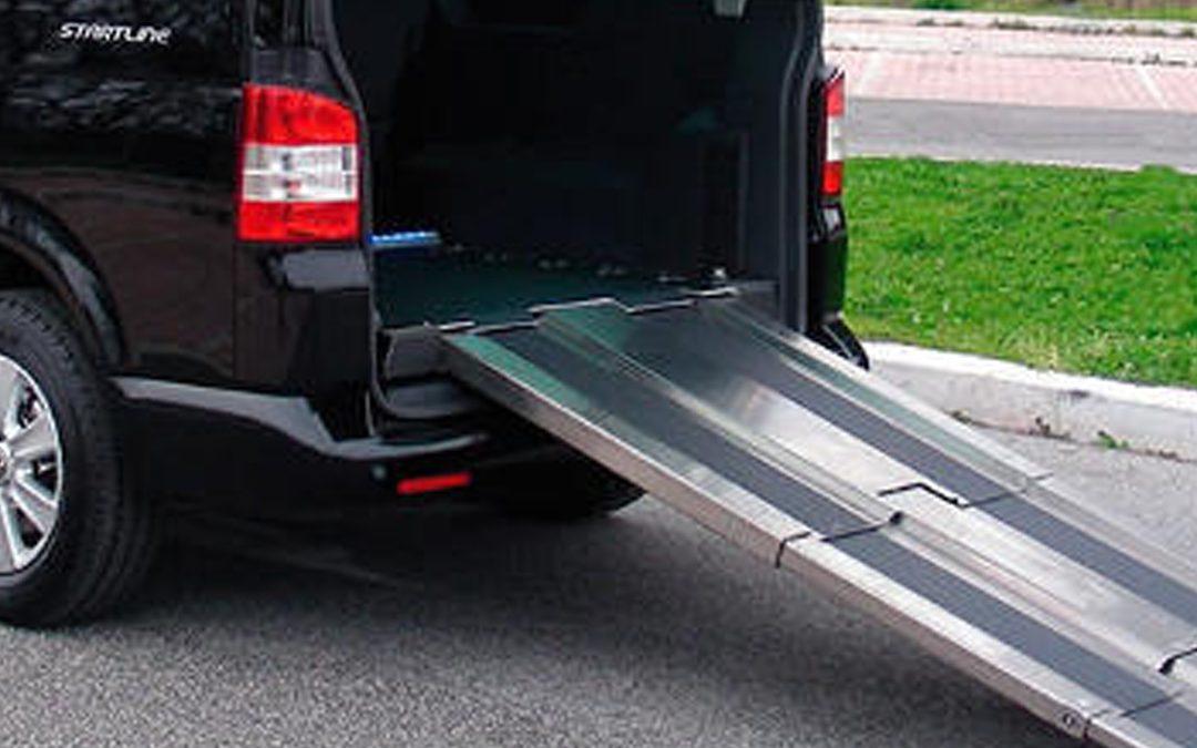 Rampa minusválidos para el coche: ¿qué se debe tener en cuenta?